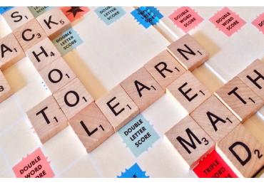 Jakie pomoce dydaktyczne dla dziecka wybrać do nauki języka angielskiego?